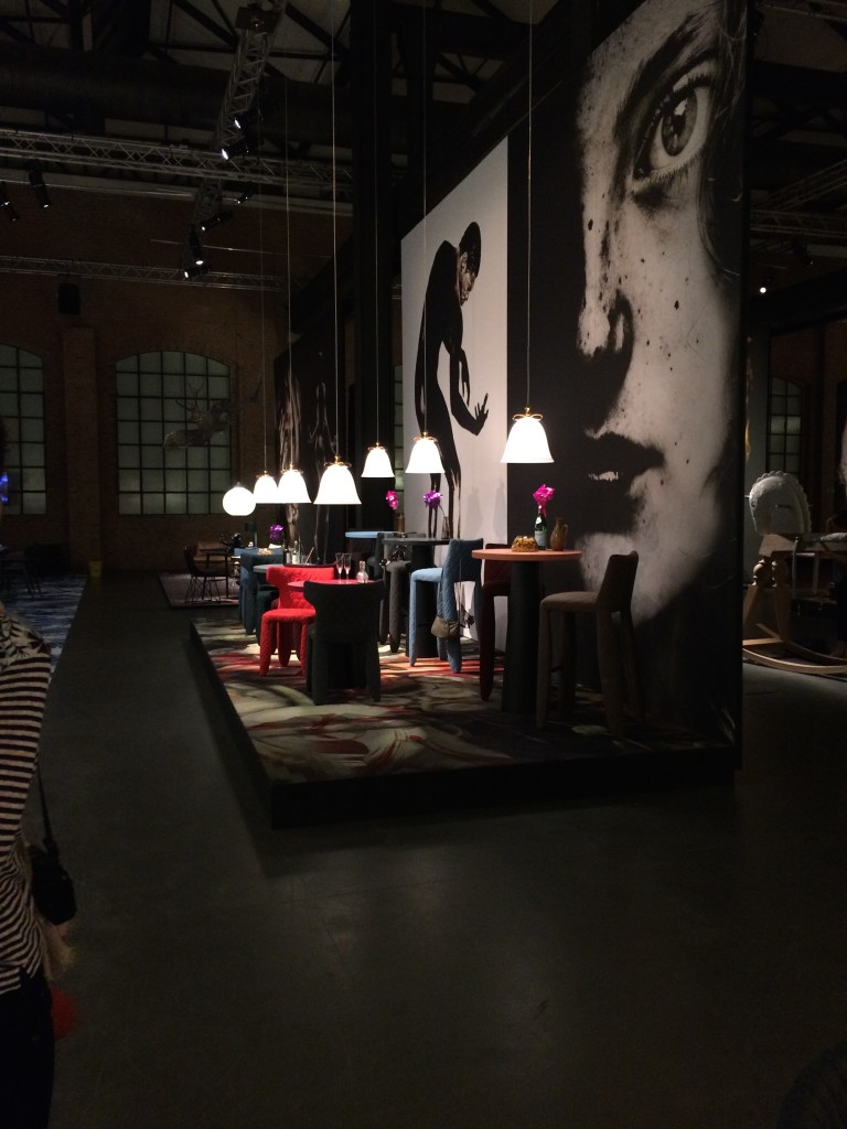 moooi-unexpected-welcome-minrl